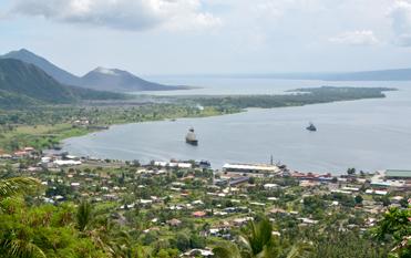 ラバウルとガゼル半島観光 シンプソン湾を一望する